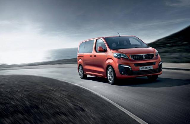 Foto von Peugeot Traveller