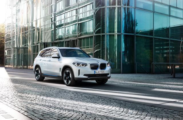 Foto von BMW iX3