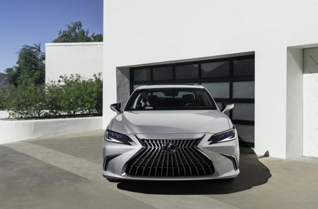 Foto von Lexus ES