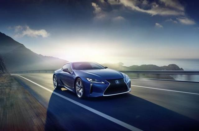 Foto von Lexus LC